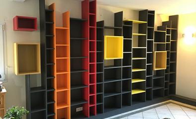 Conception et réalisation d'une bibliothèque multi couleur sur-mesure