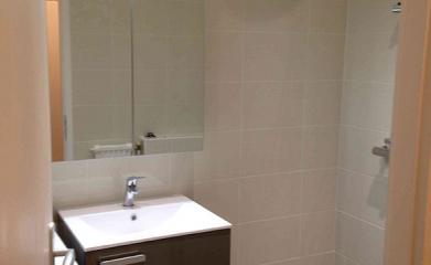 Transformation d'une salle de bains en salle de douche à Saint-leu-la-Forêt image 3